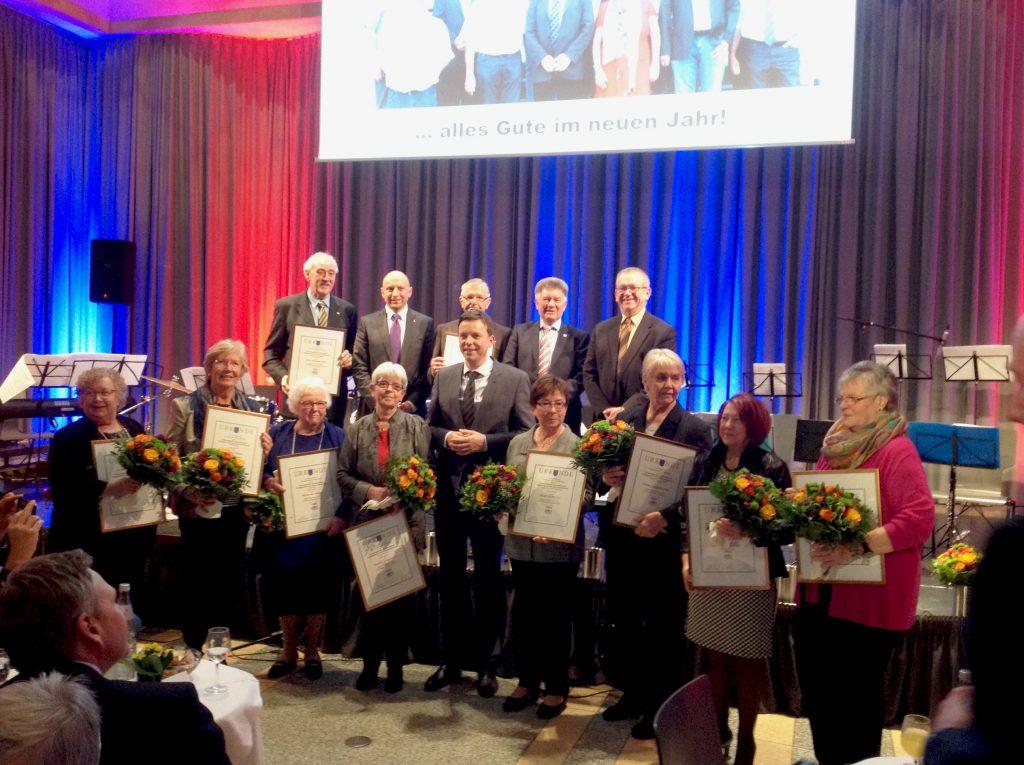Auszeichnung langjährig ehrenamtlich in der Seniorenbetreuung engagierter Mitbürgerinnen und Mitbürger