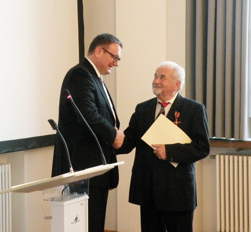 links: Staatssekretär Christian Seel, rechts: Hubert J. Saub